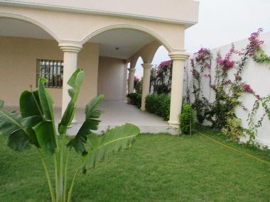 Villa kpogan villa spacieuse avec jardin villa togo villa lome - Recherche petite maison a louer avec jardin ...